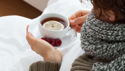 Чай с лимоном и малиной от простуды