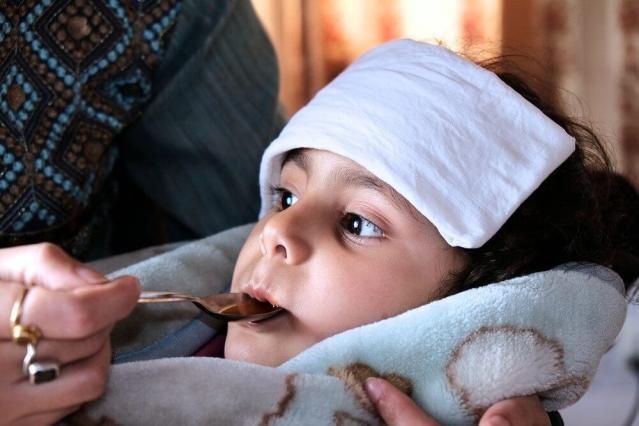 Как сбить высокую температуру у ребенка